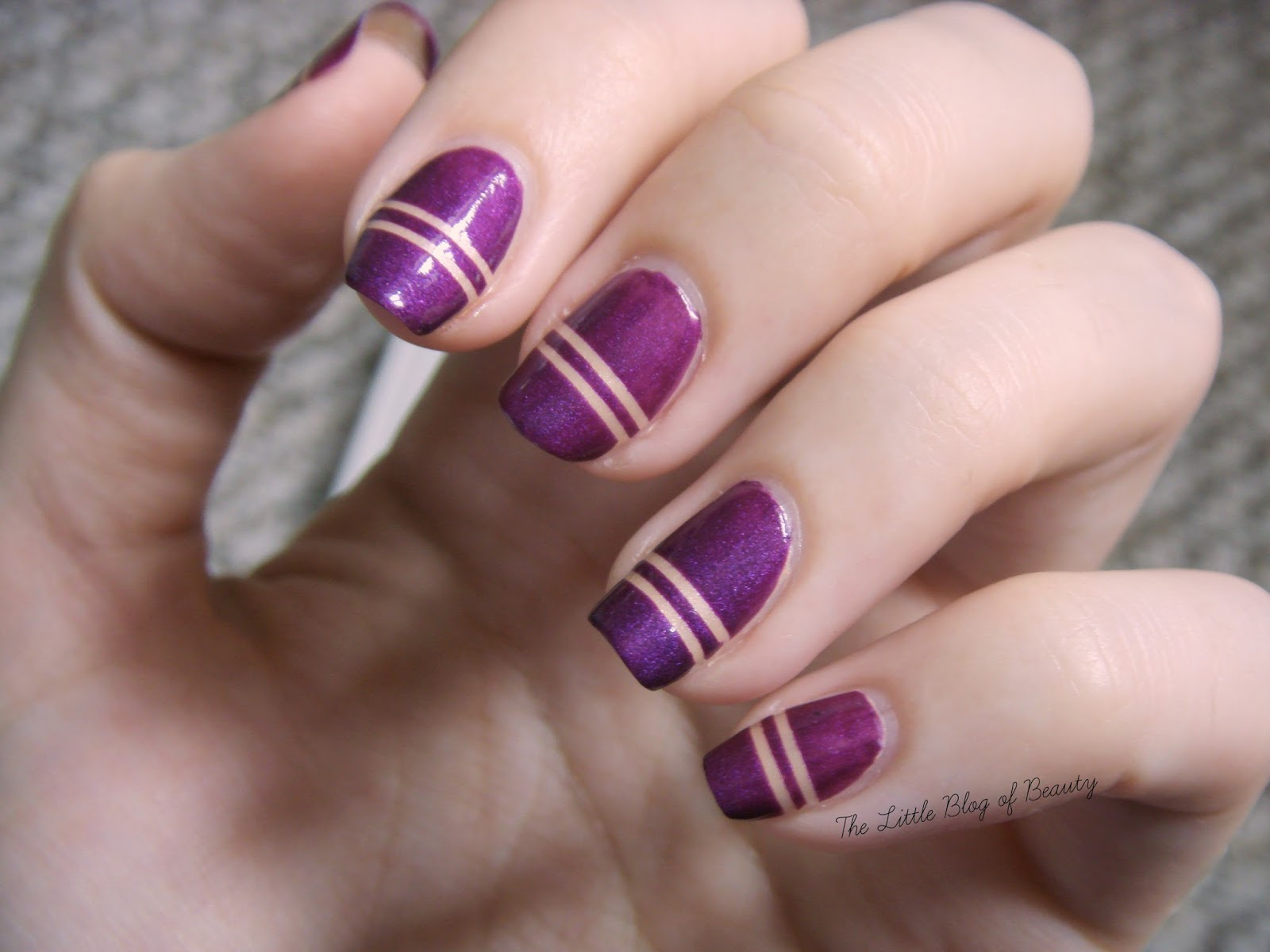 Nail art - Double sandy lines