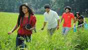 Vundile Manchikalam Mundumunduna movie stills-thumbnail-14