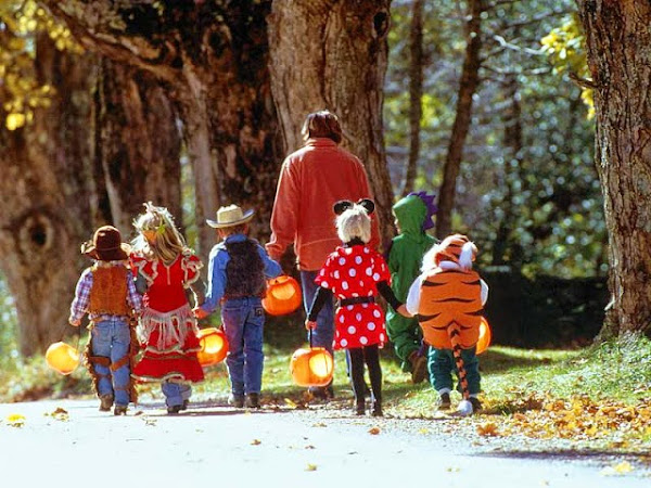 Trick or Treating When I Was Younger ♥