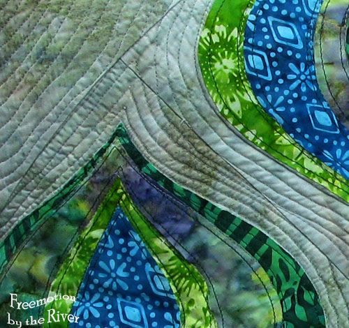 closeup of quilting on pillow at Freemotion by the River