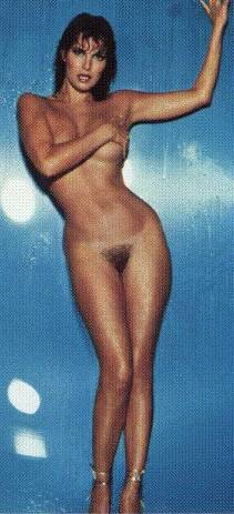 Raquel Welch Nude Pics & Videos That You Must See in