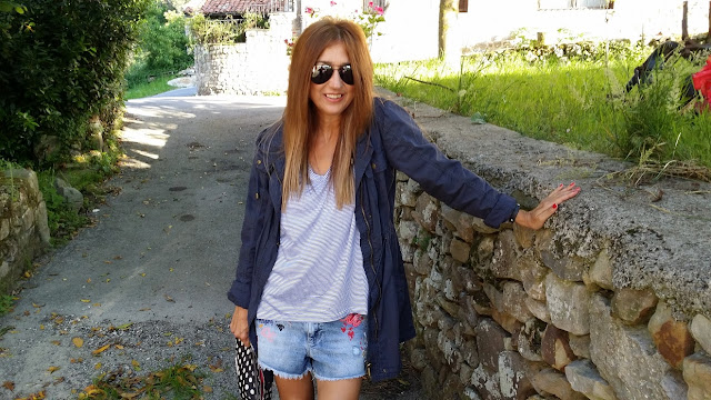 Carmen Hummer, Look, SS2015, Blue, Shorts, Tshirt, Parka, Bag, Cool, Style, Blog de moda