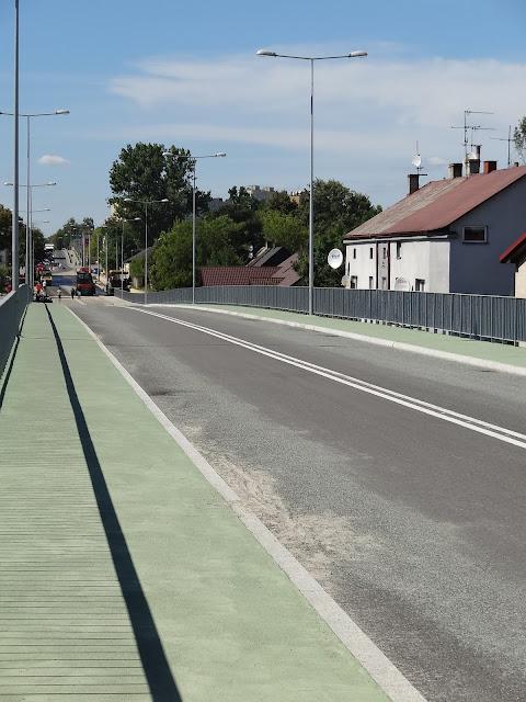 Wiadukt drogowy nad torami w Kielcach