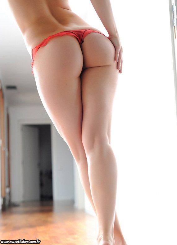 Anastasia Harris nua em ensaio sensual