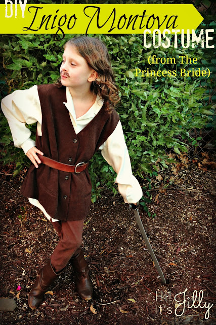 DIY Inigo Montoya Costume from The Princess Bride at Hi! It's Jilly. #costume #halloween #princessbride
