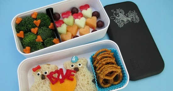 bento school lunches review monbento original bento box bears in love val. Black Bedroom Furniture Sets. Home Design Ideas