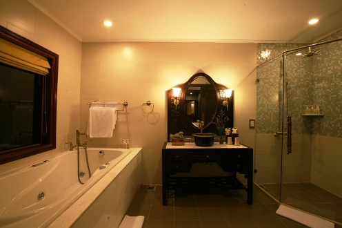 Bathroom - Indochina Sails