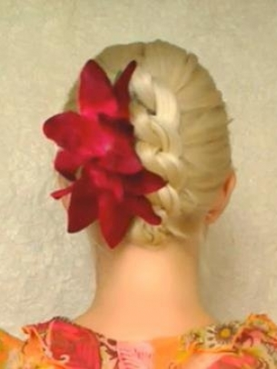 How-to-Style-a-Knotted-Chignon-2