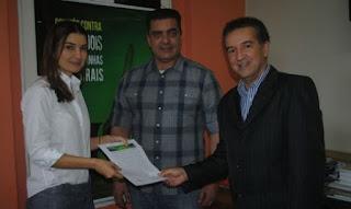 Candidatos assinam carta-compromisso contra corrupção e caixa dois