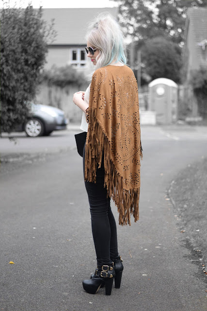 Sammi Jackson - Fringed Kimono