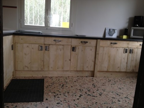 Pallet kitchen furniture diy projects pallet furniture - Cupboards made from pallets ...