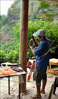 Tico wood carver starting our post