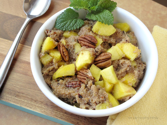 Sweet Ginger Peach Tea Quinoa with Peaches and Pecans #glutenfree #vegetarian