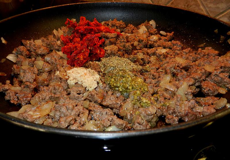 Beef And Spinach Stuffed Shells - melissassouthernstylekitchen.com