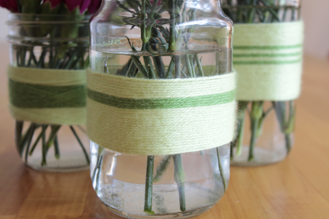 http://www.modernparentsmessykids.com/2011/04/diy-vases-for-mothers-day.html