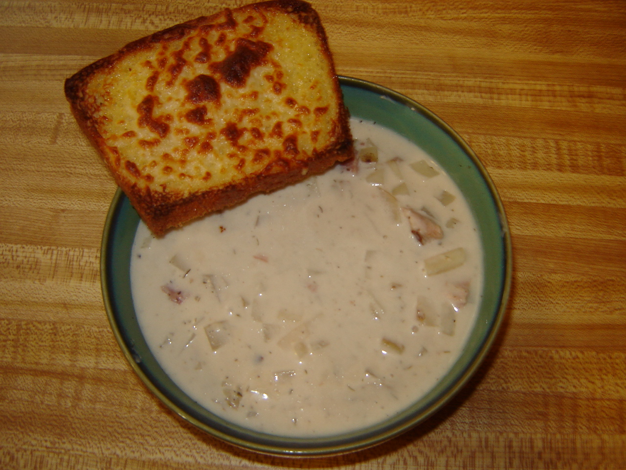 ... From A Middle Class Kitchen: Slow Cooker Cream Cheese Potato Soup