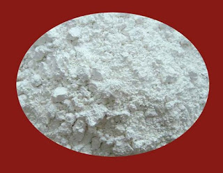 silica sand as main constituents of molding sand used in foundry manufacturing workshop