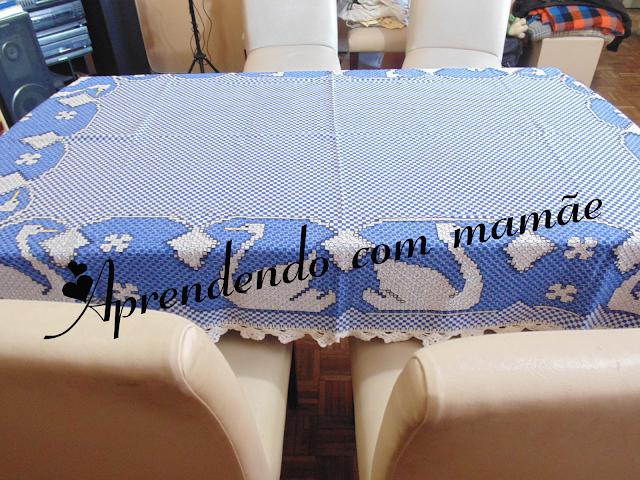 bordado, linha Cléa, linha cléa 1000, toalha cisne em tecido xadrez, gráfico, trabalho, toalha, ponto cruz duplo, ponto médici, tecido xadrez
