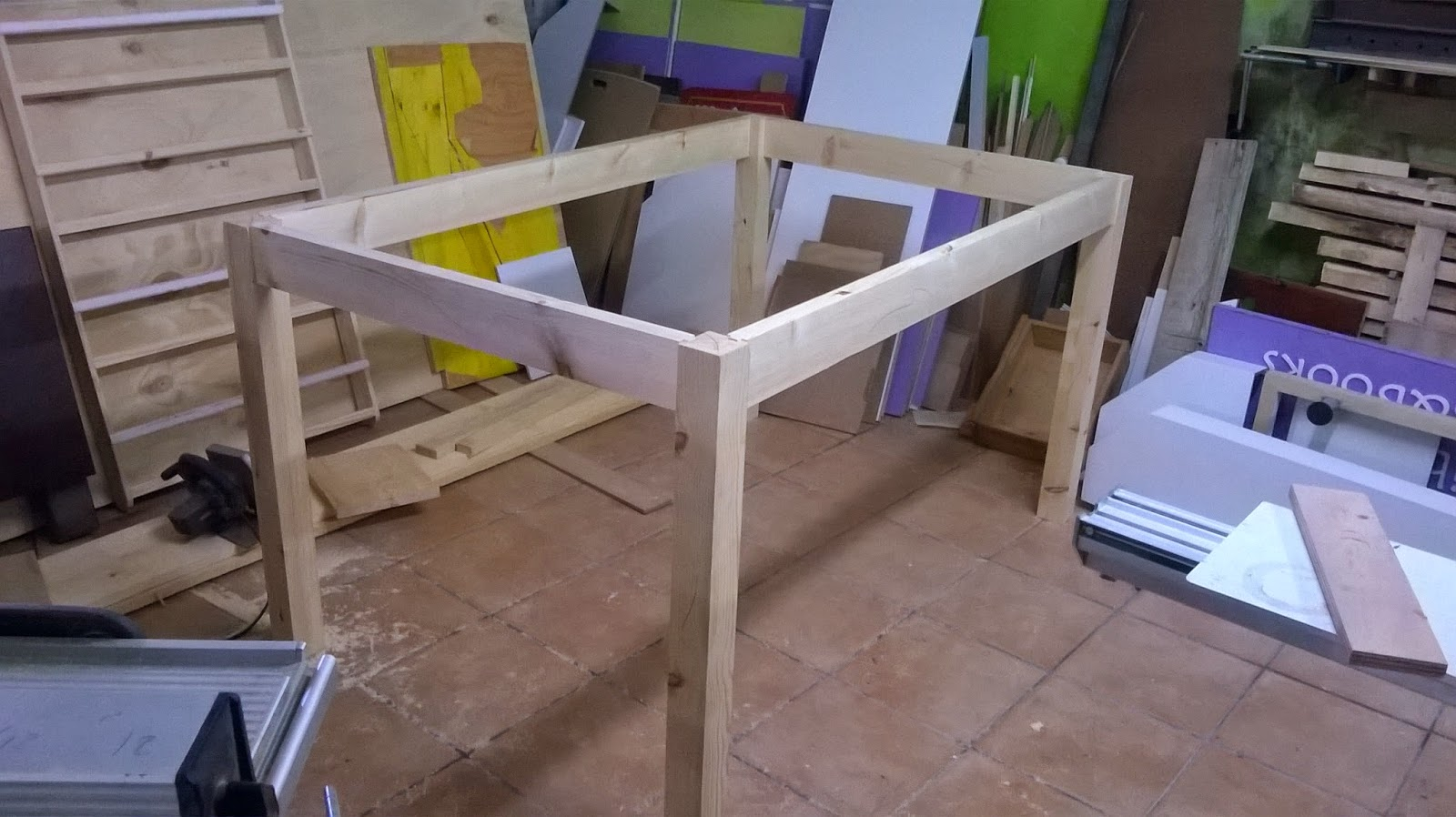 Mesa de trabajo woork table el garaje de la madera for Diseno mesa de trabajo