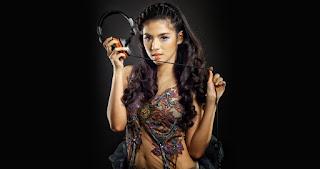 DJ Una, Putri Una Astari