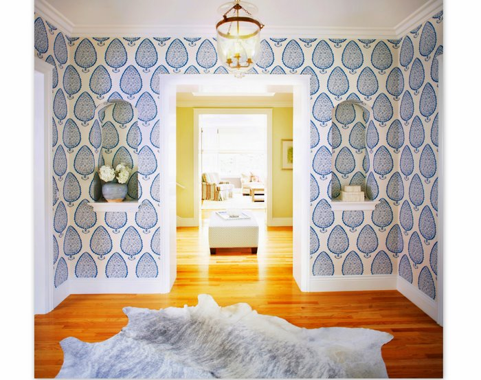 Foyer Wallpaper List : Shell and chinoiserie seaside style with an eastern accent