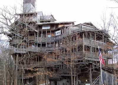 The World's Biggest Treehouse (14) 1