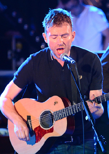 damonalbarn guitar, damon albarn maida vale, blur maida vale 2012, maidavale