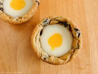 http://1.bp.blogspot.com/-C7Y5lYaQSGI/T2eACSVkM0I/AAAAAAAABSs/UWWyeqiqUXI/s1600/Cadbury+Cream+Cookie+Cups+055wm.jpg
