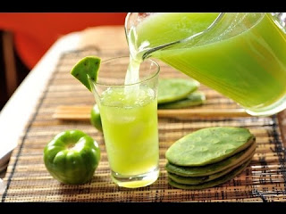 Agua de nopal con limón