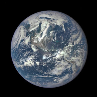 Foto Bumi Terbaru Diambil Dari Jarak 1,6 Juta Kilometer