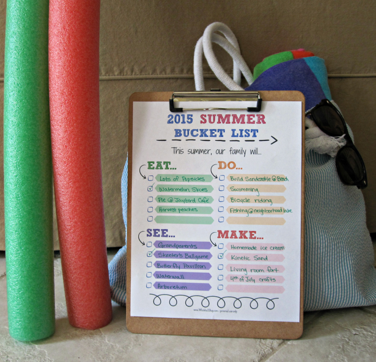 2015 Summer Bucket List Printable with Summer Accessories