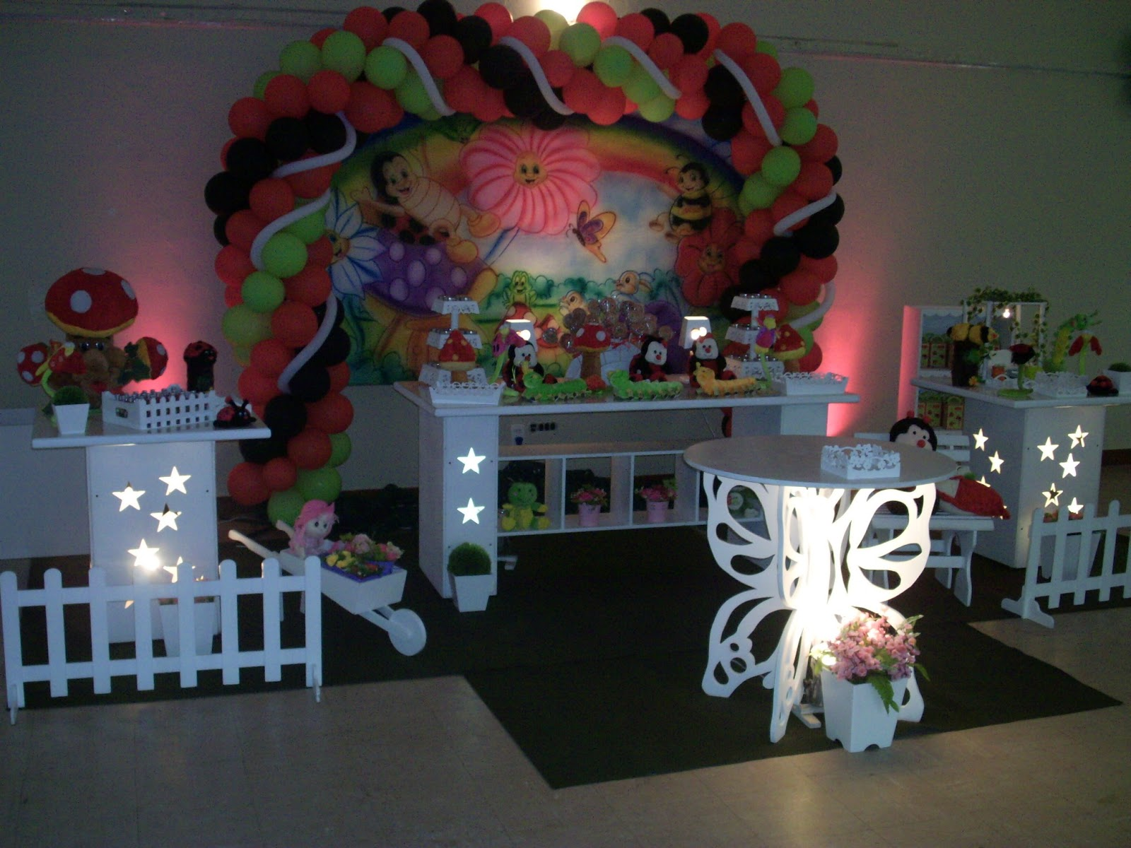 mesa infantil jardim: provençal de mesa de aniversário infantil – Jardim Encantado
