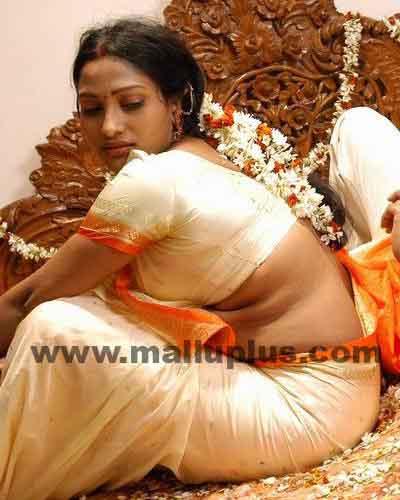 Indian Aunty In Nighty Sleeping Bedroom