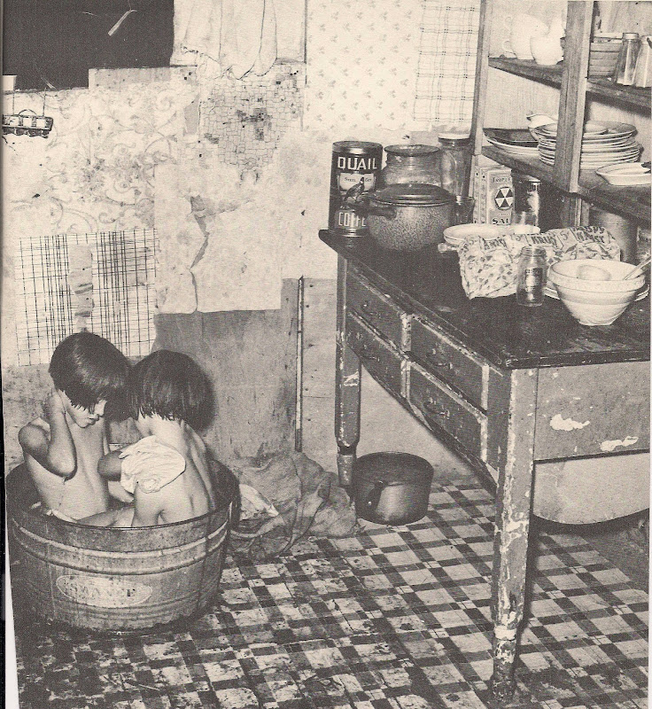 The 1930s Country Bath title=
