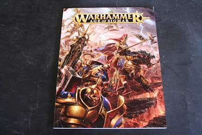 Libro de trasfondo y Warscrolls de Warhammer: Age of Sigmar