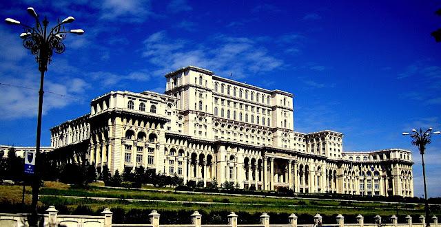 Bangunan Istana Parlimen Terbesar Di Dunia GAMBAR MENARIK