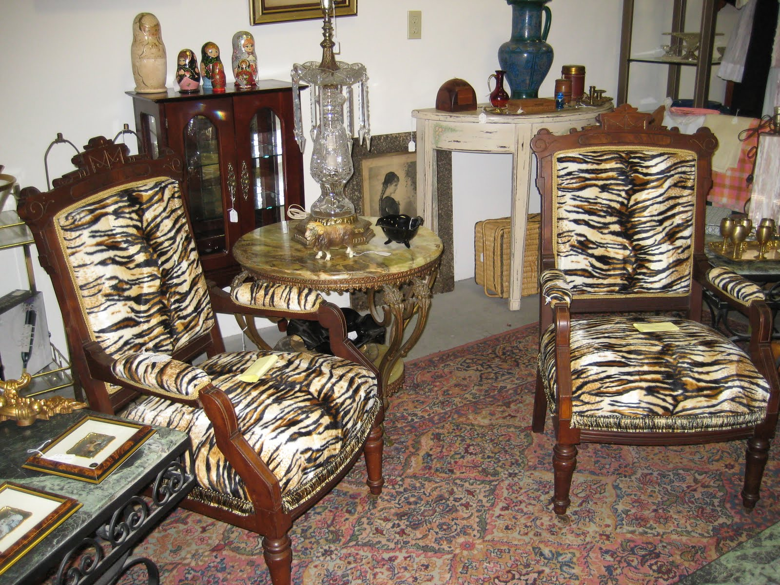 C Dianne Zweig Kitsch N Stuff Introducing Bronx Renaissance Decorating With Retro Showy Antiques And Collectibles,2 Bedroom Apartments For Rent Edmonton South