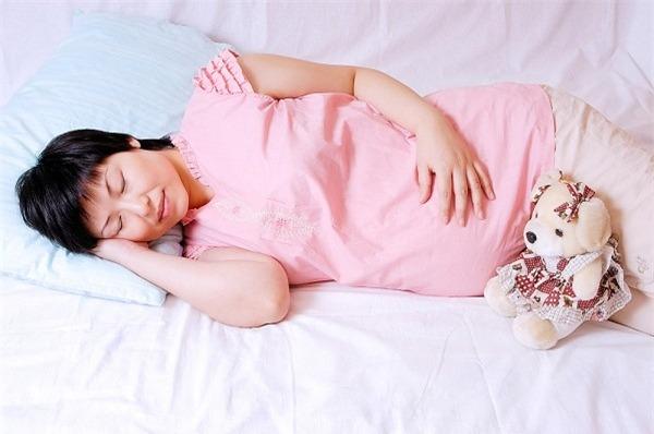 Để có một thai kỳ khỏe manh bạn nên dành thời gian cho mình nghỉ ngơi