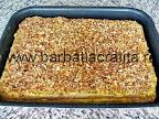 Prajitura Krantz cu foi, crema si nuci caramelizate asamblata in tava