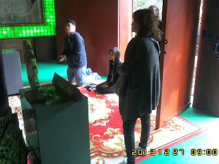 CHIANGMAI TOUR SERVICE TO JOAN'S FAMILY ON 27 DEC 2013