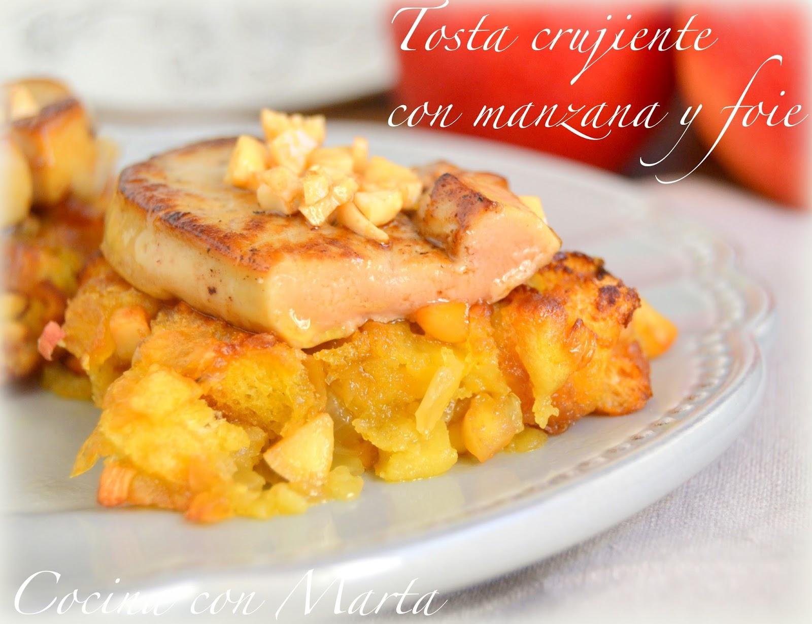Tosta o tostadas crujientes con manzana, almendras, curry y foie mi cuit. Receta casera, fácil, especial para fiestas, celebraciones y navidad.