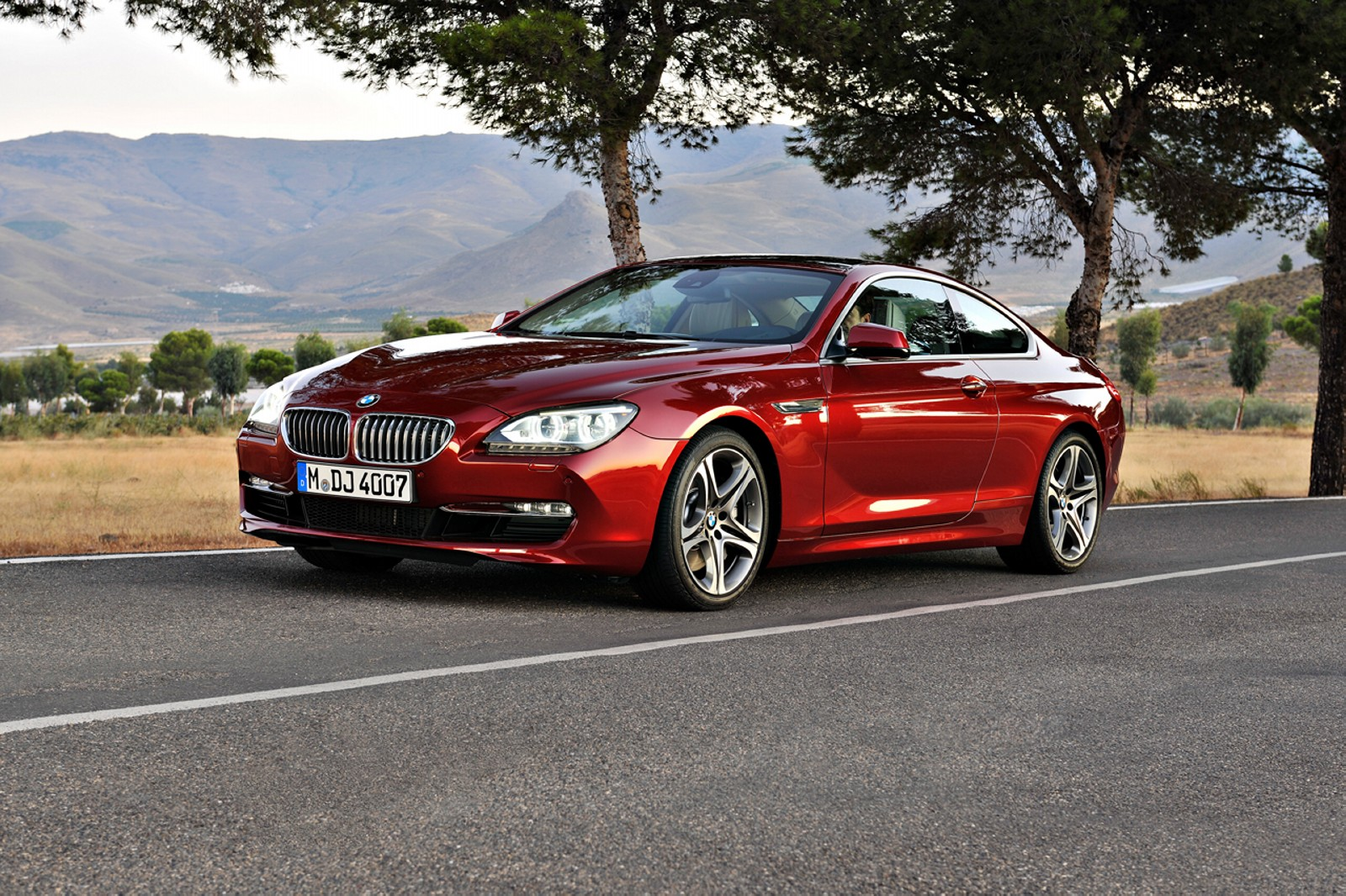 car pictures bmw 6 series coupe 2012. Black Bedroom Furniture Sets. Home Design Ideas