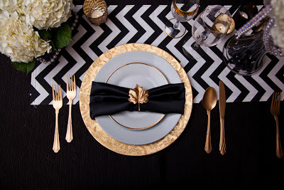 Modern take on the traditional black, white, and gold wedding
