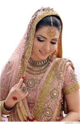 wedding hair accessoriesclass=bridal jewellery