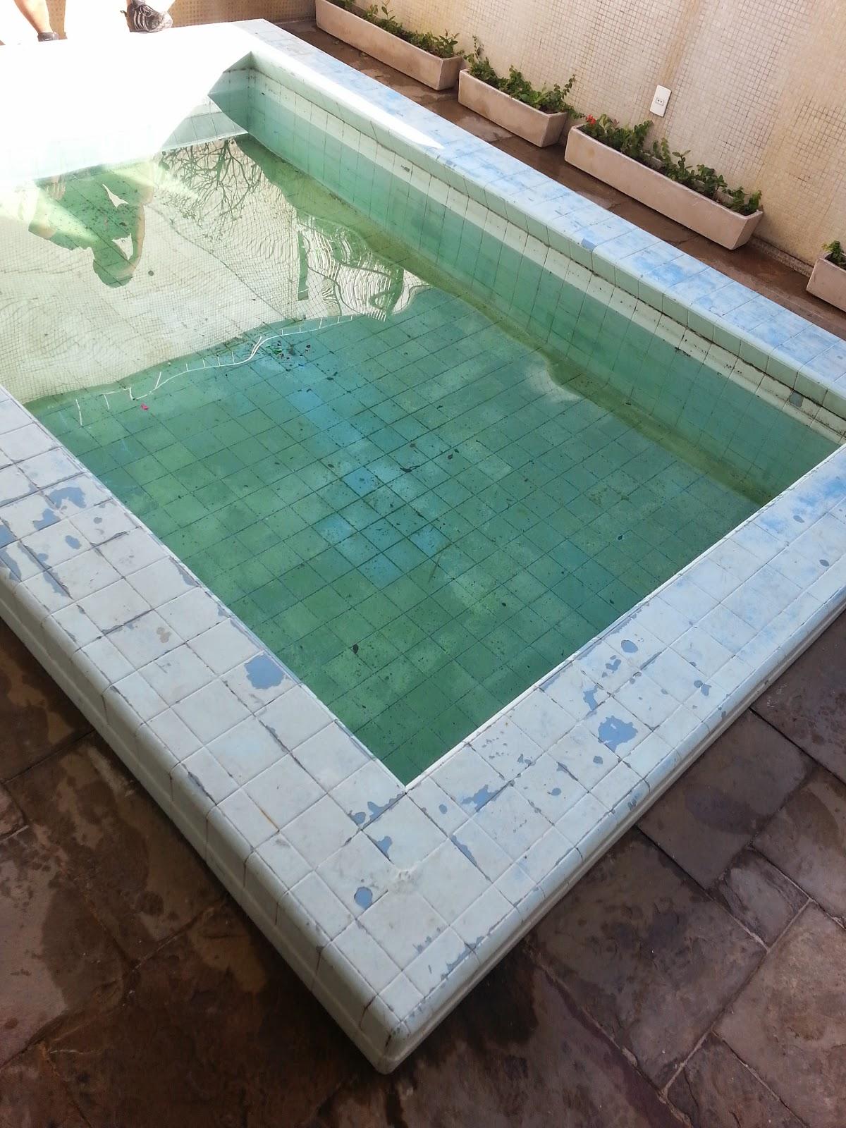 Pintura piscina de azulejo com tinta epoxi 05 cinco anos - Azulejos para piscina ...