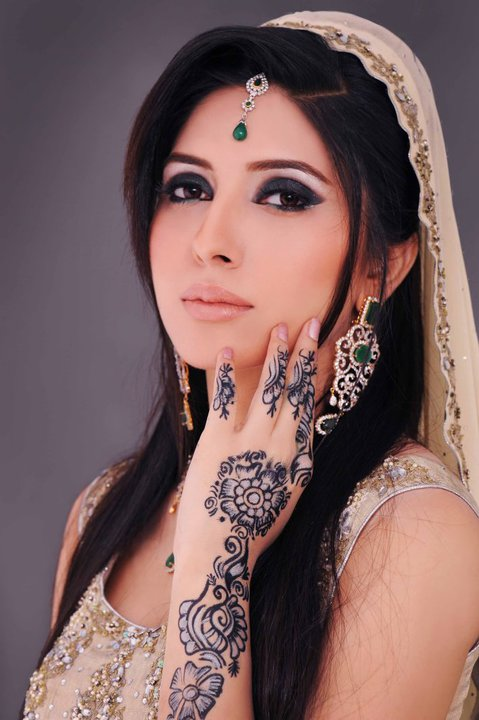 muslim single women in north highlands American muslim marriage meet interesting men and women looking for american muslim marriage on lovehabibi we'll assist you in finding a partner who shares your values and religious principles, and with whom you can build a happy life together.