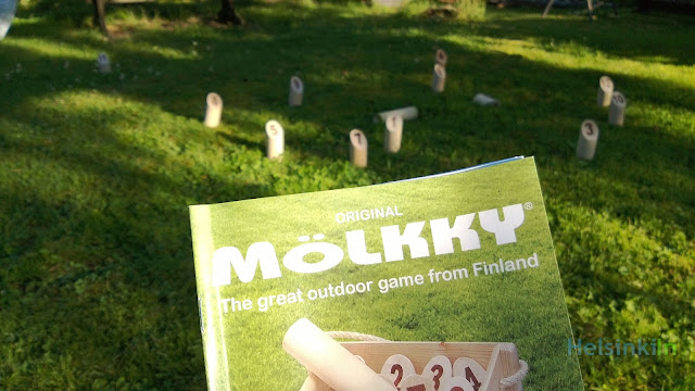 Mölkky at the summer cottage