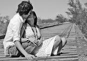dame un beso que me alcance hasta morir