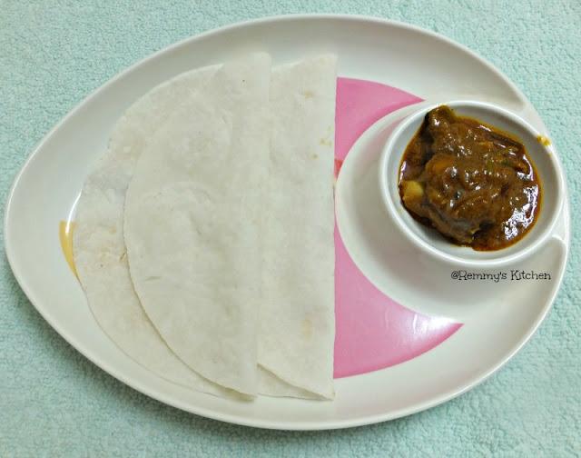 Ari pathiri / Rice pathiri
