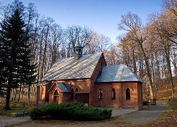 Kościółek Leśny (fot. www.trzebnica.pl)